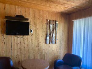 Motel #16 Queen Bedroom Sitting Area